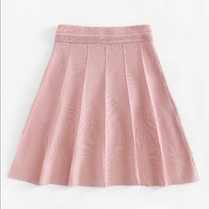 Dresses & Skirts - 🆕💝Pink knit pleated skirt💕